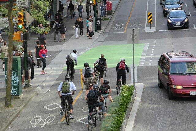Dunsmuir_Separated_Bike_Lanes_104.jpg