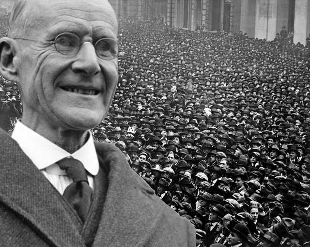 Eugene Debs With Crowd in Chicago_preview.jpeg