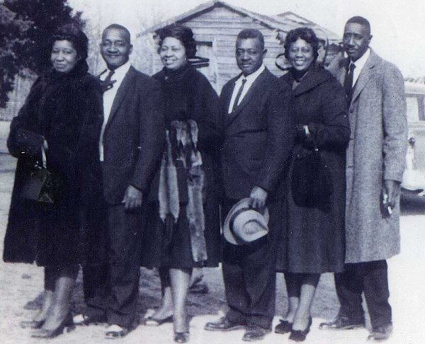 From left, Elsie Sizemore, Dixie Day, Edna Sizemore, Piercie Day, Esther Sizemore and Uncle George Sizemore. The Day brothers were George's brothers on his mother's side..jpg