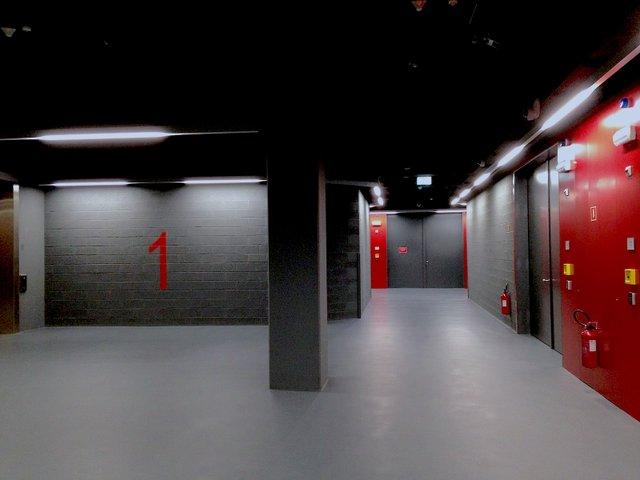 Luxembourg_Freeport,_corridor.jpg