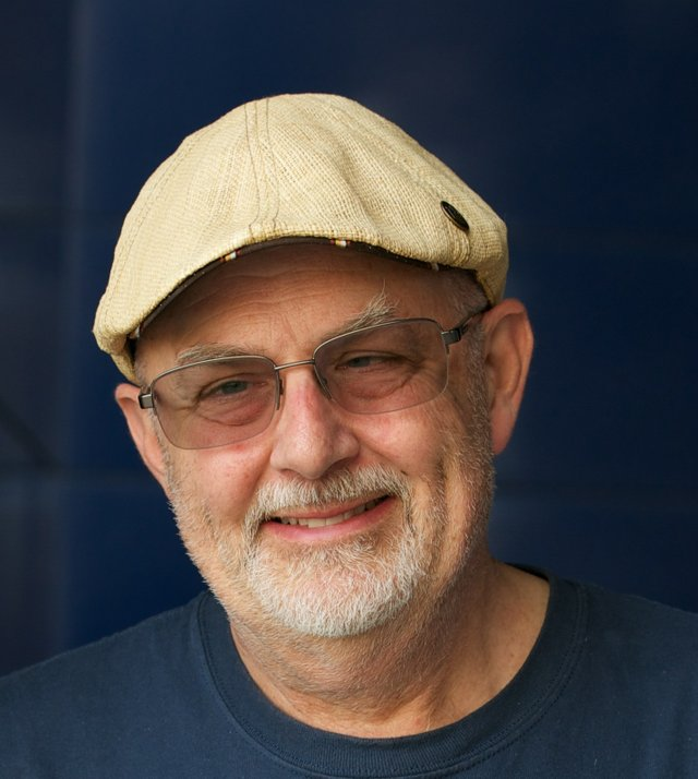Scott-Russell-Portrait.jpg