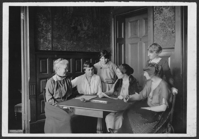 Conferring over ratification [of the 19th Amendment to the U.S. Constitution] at  [National Woman's Party] headquarters, Jackson Pl[ace] [Washington, D.C.].  L-R Mrs. Lawrence Lewis, Mrs. Abby Scott Baker, Anita Pollitzer, Alice Paul, Flore.jpg