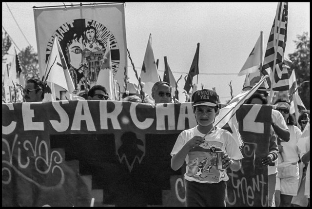chavez funeral march10.jpg