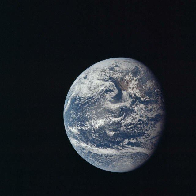 Earthrise, Apollo 11.jpg