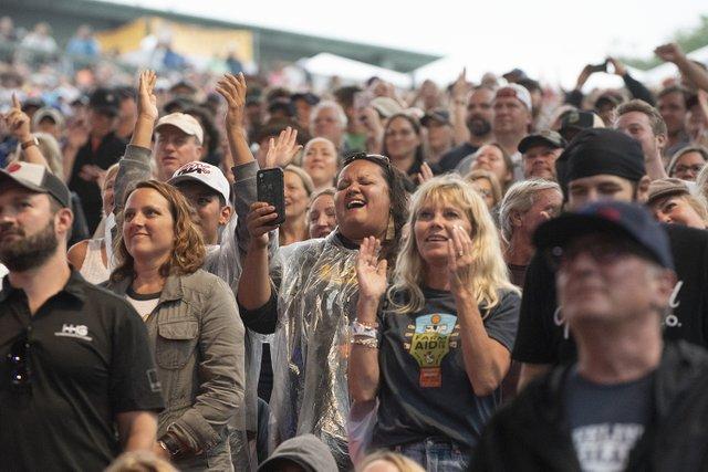 Geoff Davis_crowd Farm Aid 2019.jpg