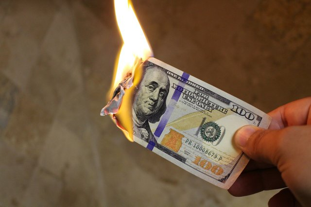 burning-money-2113914_1280.jpg