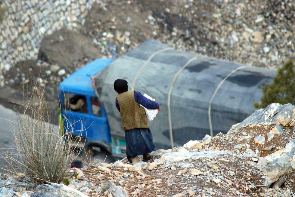 afghankidsworking.jpg