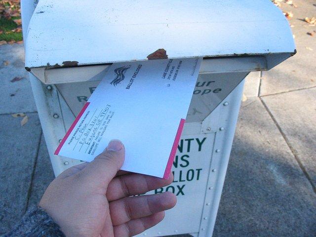 1280px-Oregon_ballot_return_box.jpg