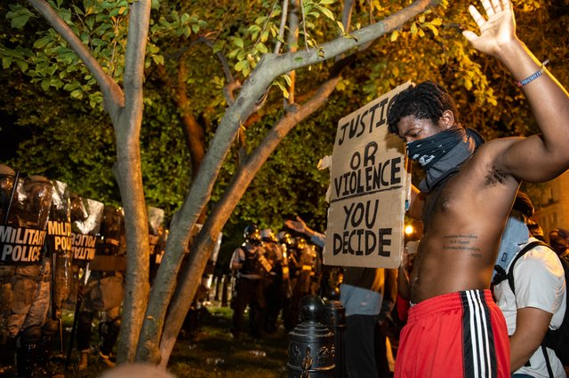 George_Floyd_protests_in_Washington_DC,_Lafayette_Square.jpg