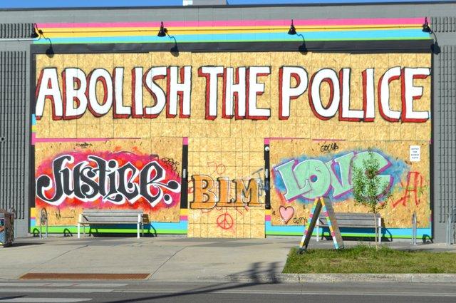 Graffiti_Abolish_the_police,_George_Floyd_protest,_Minneapolis,_MN,_June,_2020.jpg