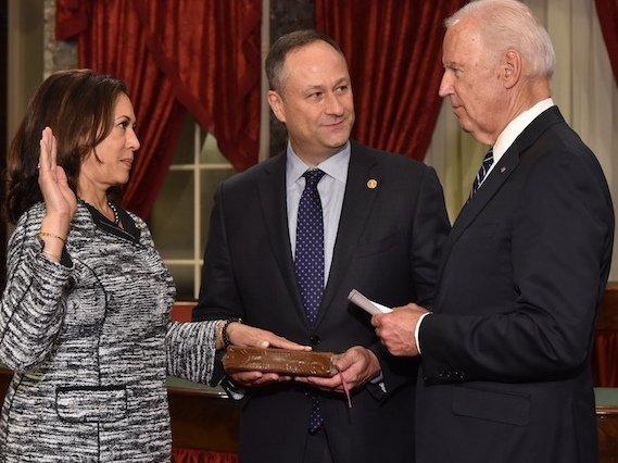 Kamala_Harris_takes_oath_of_office_as_United_States_Senator_by_Vice_President_Joe_Biden_(cropped).jpg