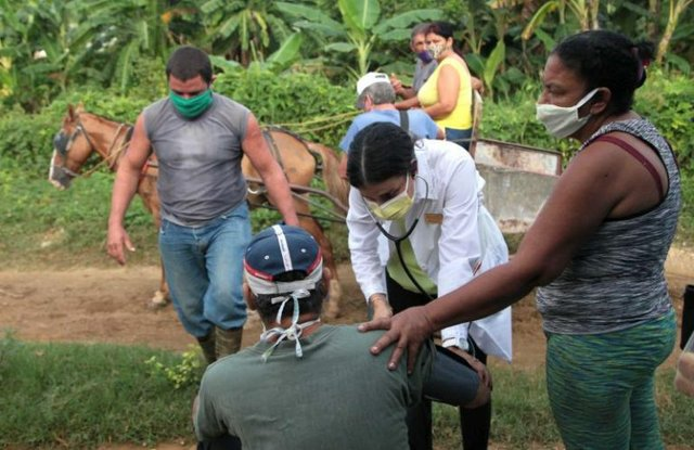 Health care delivery in rural Cuba, photo by Oscar Alfonso-ACN.jpg