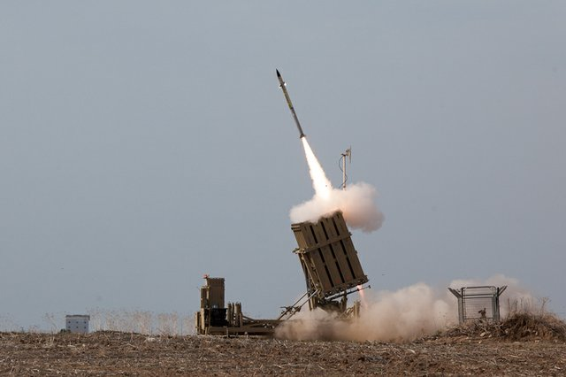 iron dome and rockets.jpg.jpe