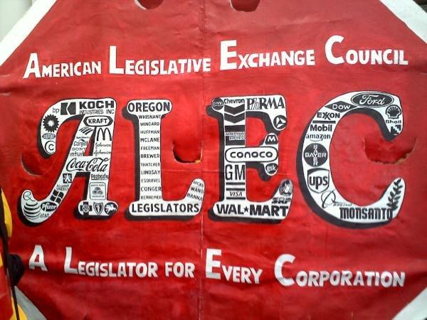 f29_protest_a_legislator_for_every_corp.jpg.jpe