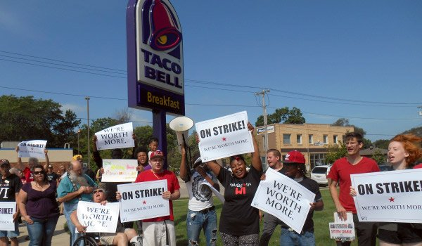 Sept4-14_Taco_Bell_protest-MB600x350px.jpg.jpe