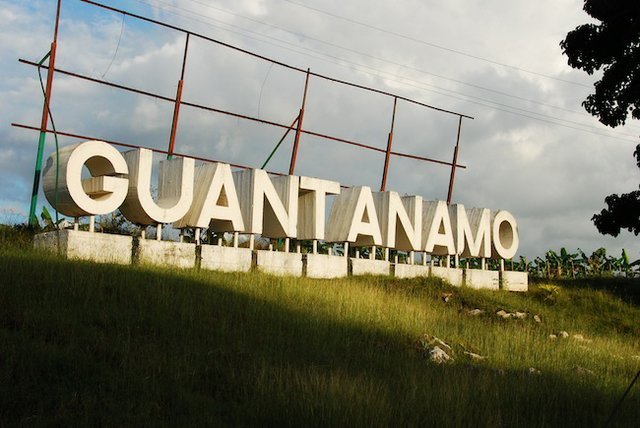 Guantanamosign.jpg.jpe
