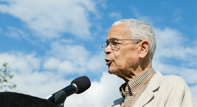 Julian_Bond_Ted Lieverman.jpg.jpe