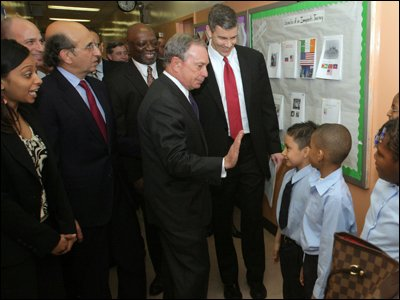 Secretary_Arne_Duncan_Visits_New_York,_Discusses_American_Recovery_and_Reinvestment_Act_01.jpg.jpe