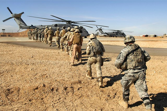 1024px-Flickr_-_The_U.S._Army_-_Loading_up.jpg.jpe
