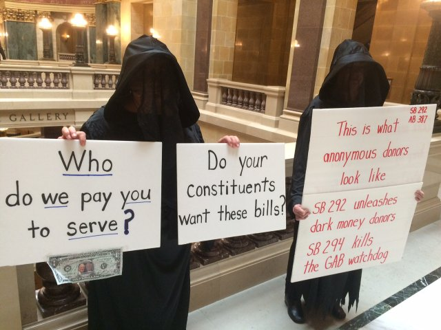 Bills protest photo.JPG.jpe