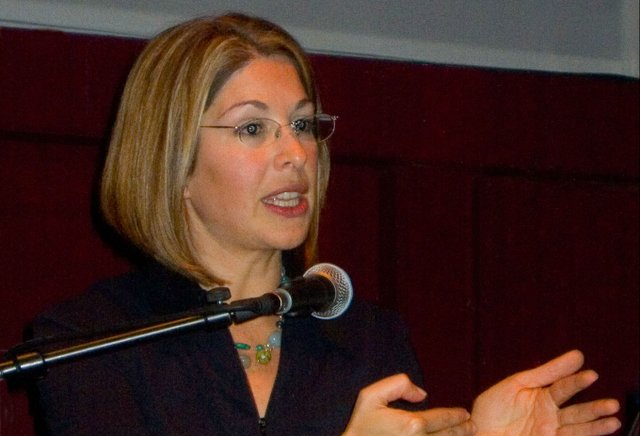 Naomi_Klein_in_Berlin_2007 222.jpg.jpe
