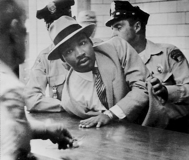 Martin_Luther_King,_Jr._Montgomery_arrest_1958.jpg.jpe
