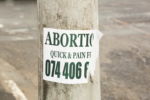1200px-Abortion_Quick_&_Pain_Free_sign,_Joe_Slovo_Park,_Cape_Town,_South_Africa-3869.jpg.jpe