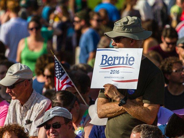 Sanders_presidential_campaign_kickoff,_May_2015_Bernie_Sanders_(24830024622).jpg.jpe