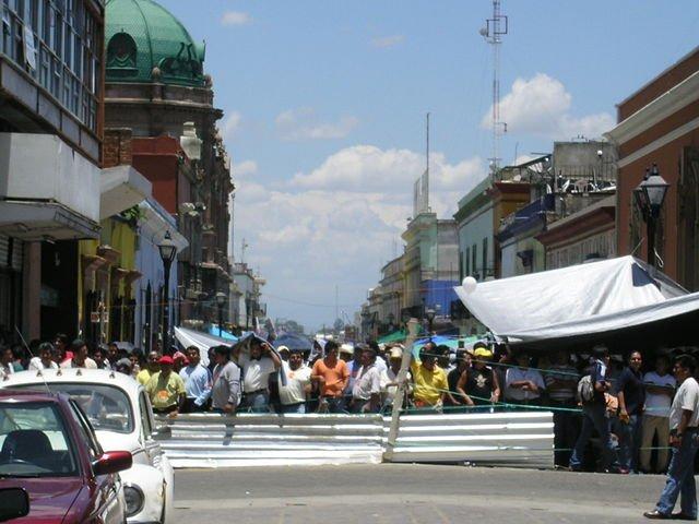 640px-Oaxaca_protests.jpg.jpe