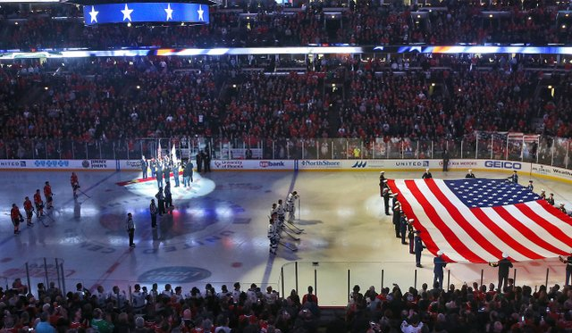 Chicago-based_troops_are_honored_at_Chicago_Blackhawks_Veterans_Day_game_141111-A-KL464-075.jpg.jpe