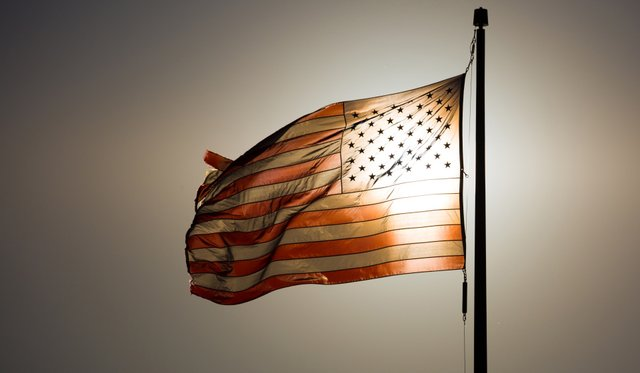 american-flag-at-sunset-147748832161s.jpg.jpe