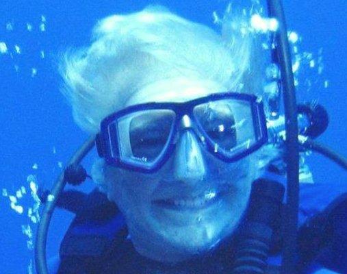 helvarg underwater.jpg