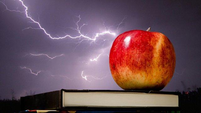 lightning-storm-night-firebird-56614.jpg