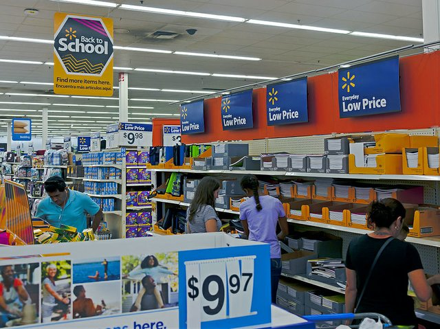 Back-to-school_sale_at_Wal-Mart_Newburgh_NY.jpg