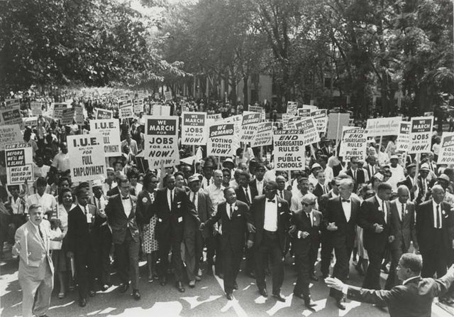 March_on_Washington_for_Jobs_and_Freedom,_Martin_Luther_King,_Jr._and_Joachim_Prinz_1963.jpg