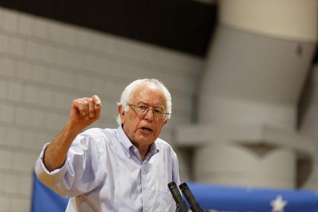 US_Senator_of_Vermont_Bernie_Sanders_in_Conway_NH_on_August_24th_2015_by_Michael_Vadon_(20715416790) (1).jpg
