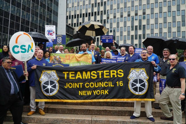 Teamsters rally outside ICE to free Eber.JPG