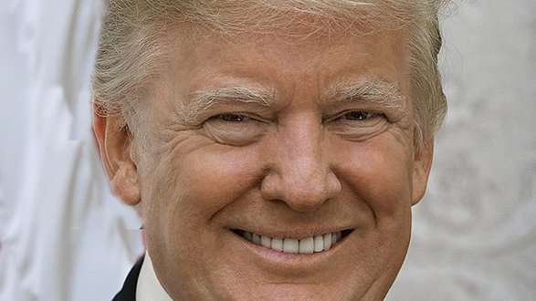 1024px-Official_Portrait_of_President_Donald_Trump.jpg