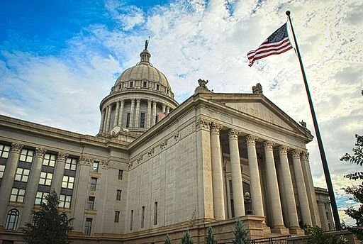 Oklahoma_State_Capitol_Building.jpg