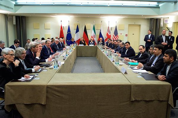 640px-Negotiations_about_Iranian_Nuclear_Program_-_Foreign_Ministers_and_other_Officials_of_P5+1_Iran_and_EU_in_Lausanne.jpg