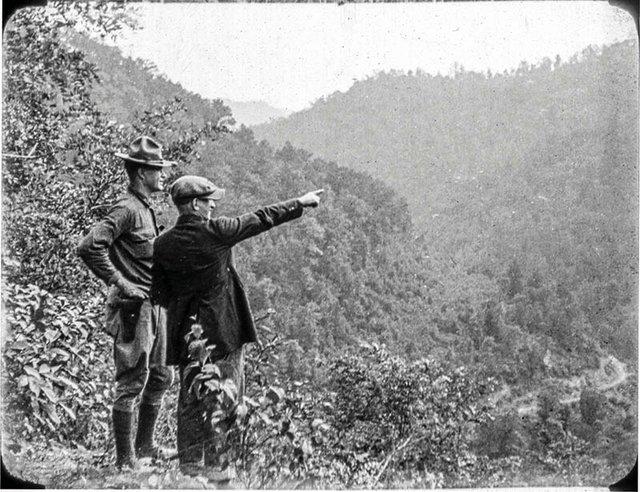 blair 1921 miner with army sargaent045blair 1921 miner with army sargaent 1 lr.jpg